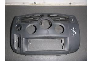 б/у Торпедо/накладка Renault Scenic