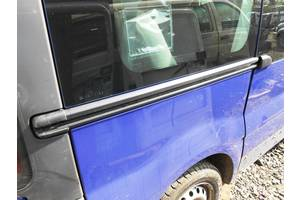 б/у Направляющая бок двери Renault Trafic