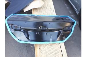 Новые Крышки багажника Toyota Camry