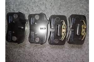 Новые Тормозные колодки комплекты Audi