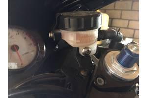 Новые Бачки главного тормозного цилиндра Yamaha R6