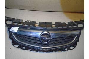 б/у Решётка радиатора Opel Astra J