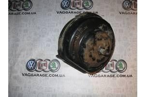 б/у Подушка мотора Volkswagen B3