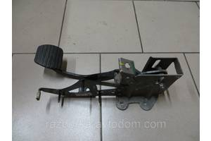 Педаль тормоза Renault Kangoo