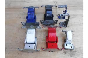 б/у Петли капота Opel Vivaro груз.
