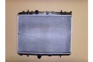 Радиатор Peugeot 208