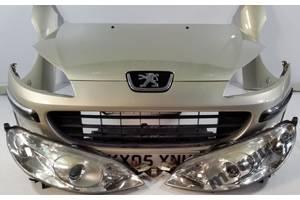 Бампер передний Peugeot 407