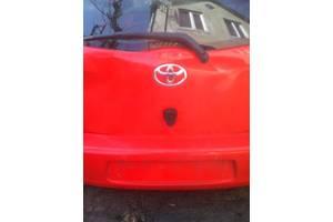Новые Накладки порога Toyota Auris
