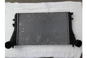 б/у Радиатор интеркуллера Volkswagen Touran