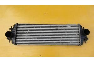 б/в Радиатор интеркуллера Opel Vivaro