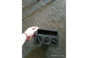 б/у Регулятор оборотов вентилятора печки Volkswagen T4 (Transporter)