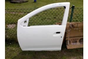 Двери передние Renault Sandero