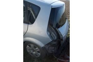 Четверть автомобиля Renault Scenic