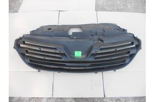 б/у Решётка радиатора Renault Trafic