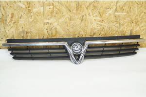 б/у Решётка радиатора Vauxhall Vivaro