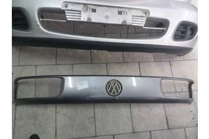 б/у Решётка радиатора Volkswagen Passat B3