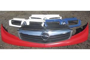 б/у Решётки радиатора Opel Vivaro груз.