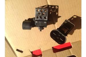 Реле вентилятора радиатора Opel Combo груз.
