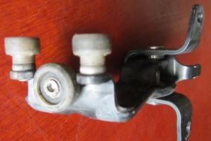 б/у Ролики боковой двери Mercedes Vito груз.