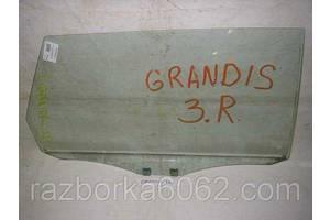 Стекло двери Mitsubishi Grandis