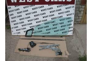 Стекло двери Toyota Avensis