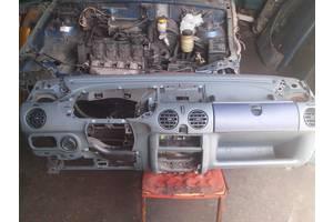 б/у Торпедо/накладка Renault Kangoo