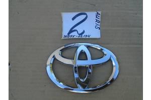 б/у Эмблема Toyota Auris