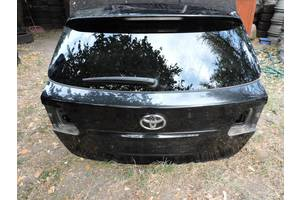 Крышки багажника Toyota Avensis