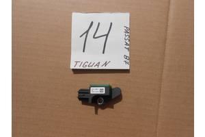 б/у Датчик удара Volkswagen Passat B7