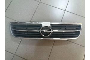 б/у Решётка радиатора Opel Omega C