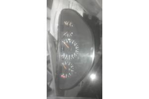 б/у Панели приборов/спидометры/тахографы/топографы Mercedes C 180