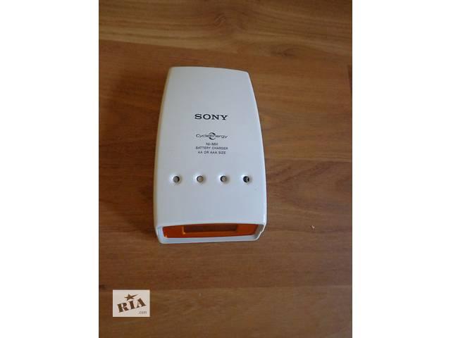 бу Зарядное устройство Sony + 4 аккумулятора Sony AA 2700mAh в Николаеве