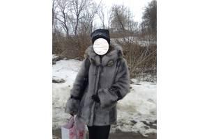б/у Женские шубы и дубленки