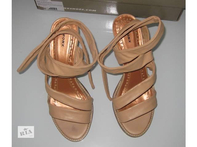 Женские кожаные босоножки Bronx (размер 38, 24,5 см)- объявление о продаже  в Донецке