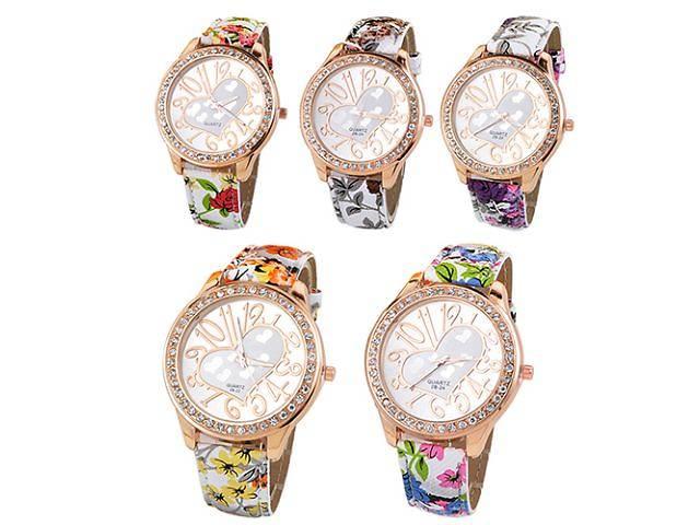 Женские модные наручные часы сердечко- объявление о продаже  в Великой Березовице