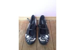 б/у Женская обувь Skechers