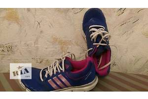 Женские кроссовки 36 Adidas новый