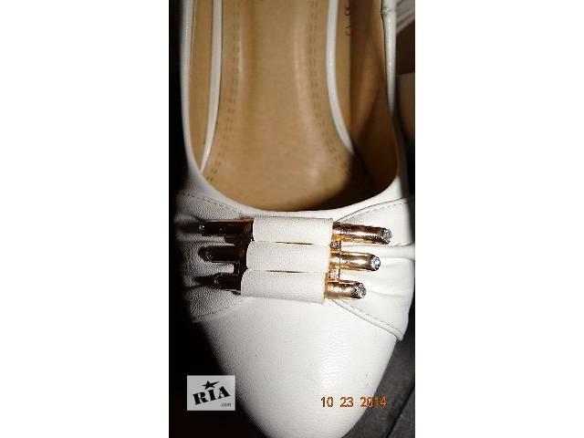 купить бу Красивые и очень удобные туфельки 38 р. в Виннице