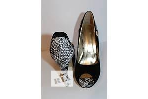 Женские туфли черные со змеиной кожей 40 размер