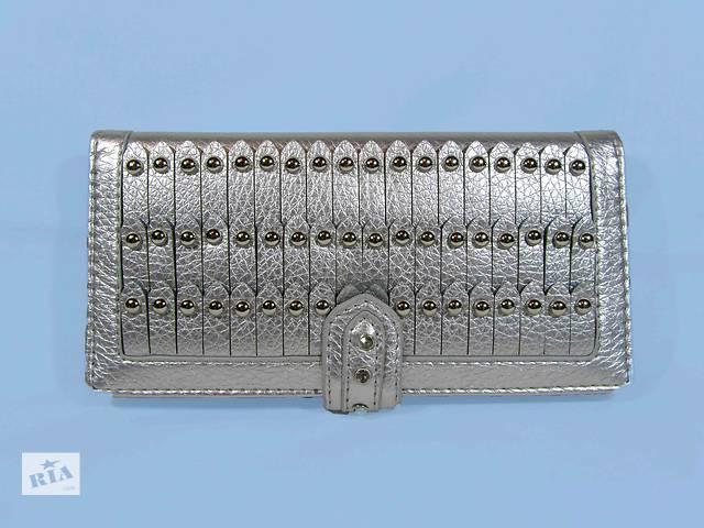 продам Женский кошелек цвет серебро бу в Киеве