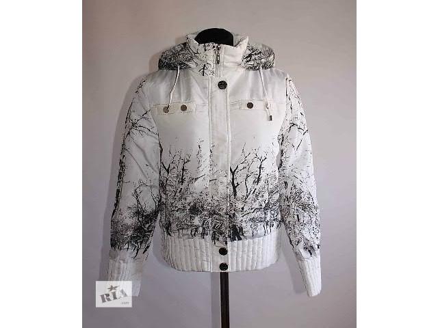 купить бу Женская весенняя куртка Белая 2016 в Стрые