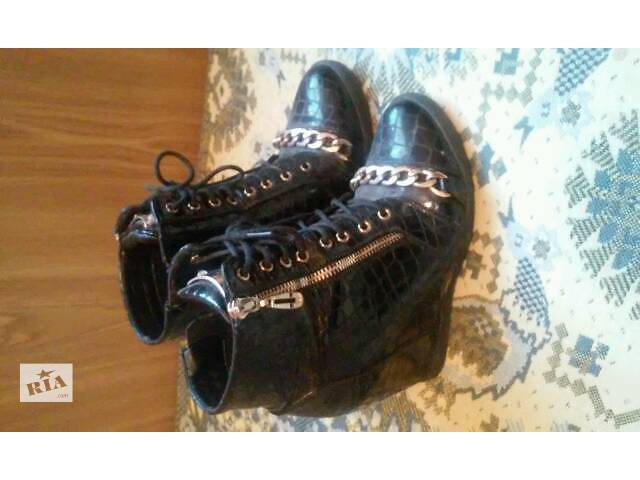 купить бу Женская обувь в Дубно