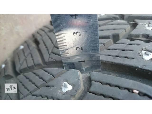 бу Зимняя шипованная резина на литых дисках BMW R15 в Киеве