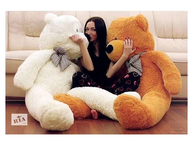 фото красивых девушек с большими игрушками