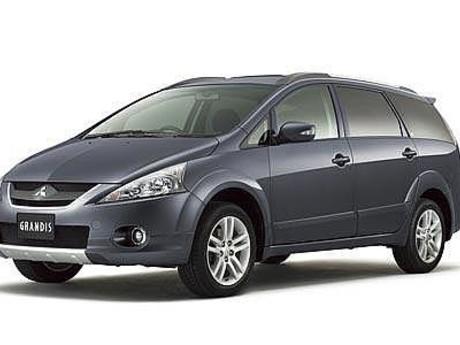 Mitsubishi Grandis 2.4 AT (165 л.с.) (7 мест) 2007