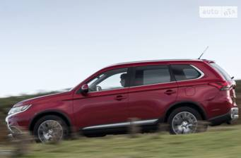 Mitsubishi Outlander PHEV 2.0i AT (221 л.с.) Hybrid 4WD 2018