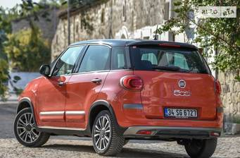 Fiat 500 L Cross 1.4 T-Jet MT (120 л.с.) 2017