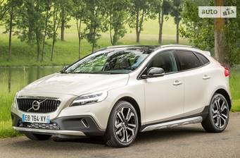 Volvo V40 Cross Country D2 2.0 MT (120 л.с.) 2018