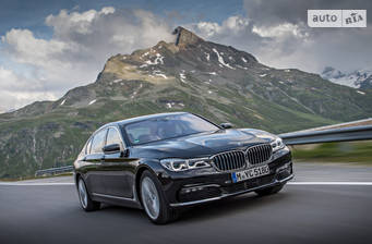 BMW 7 Series G12 740Le AT (326 л.с.) iPerformance 2017