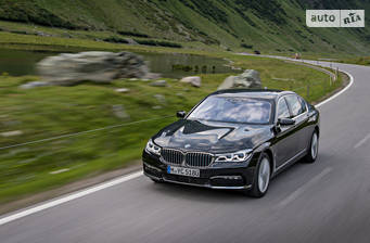 BMW 7 Series G12 740Le AT (326 л.с.) iPerformance xDrive 2017